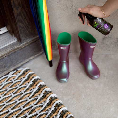 Caring for the inside of your rubber boot